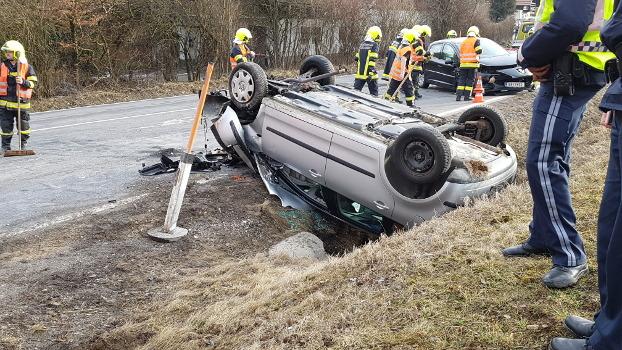 10.03.2018 I  Verkehrsunfall Hofer-Kreuzung